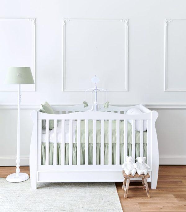 Lit Antique pour chambre bébé