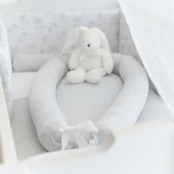 Baby nest cot reducer