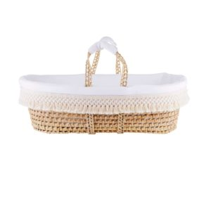 Wicker moses basket with natural fringes